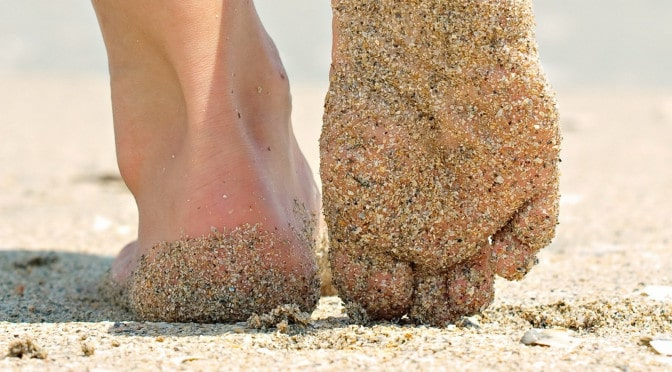 walking in sand grounding earthing