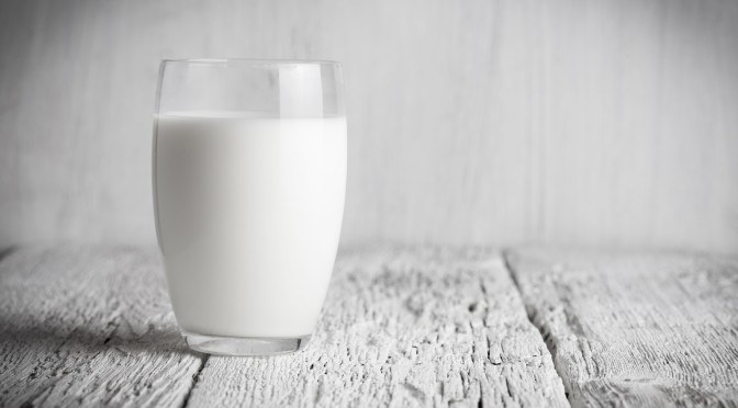 Why Full Fat Milk Is the Healthiest Milk Choice