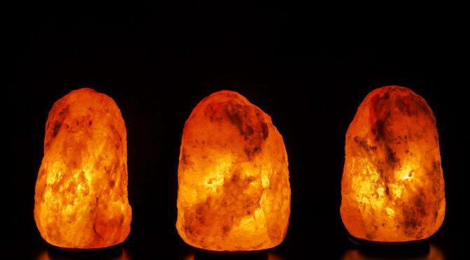 Science Behind Salt Lamps : How Himalayan Salt Lamps Work and 8 Ways They Can Improve Your Health Healing the Body