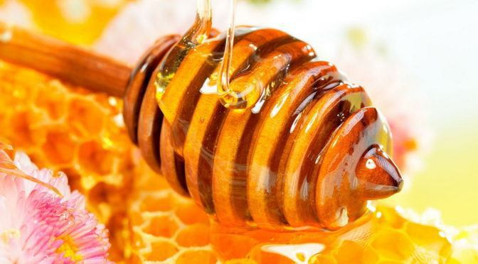 7 Compelling Reasons To Include Honey On Your Grocery List